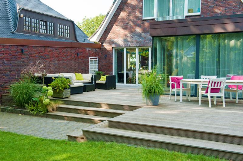 gartenanlage gro z gige terrasse renovierter vorgarten. Black Bedroom Furniture Sets. Home Design Ideas
